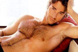 Trọn gói chi phí để có vùng lông ngực đậm chất đàn ông